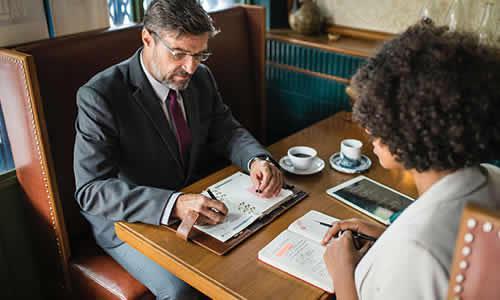 Poradenské a konzultačné služby v oblasti poistenia.