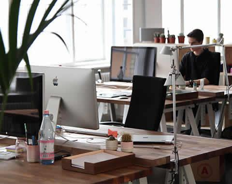 Aktualizácia a modifikácia poistnej zmluvy podľa požiadaviek klienta.